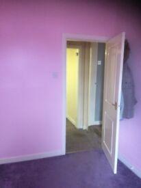 2 bedroomed flat Oldham Hathershaw area Ashton Road to rent