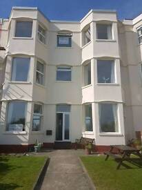 2 bed spacious flat Pwllheli