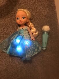 Frozen sing a long Elsa doll with microphone