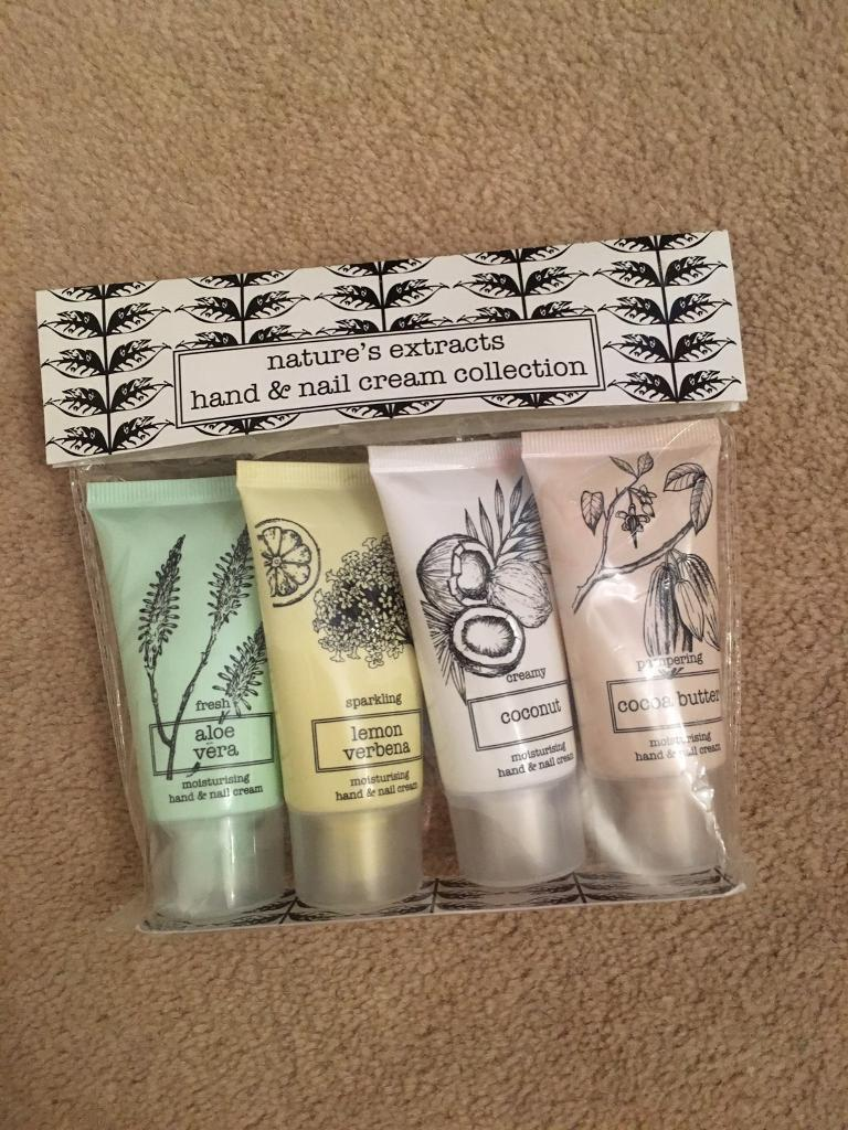Marks & Spencer hand and nail set
