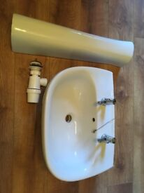 LARGE SINK basin, taps & pedestal all together- only 2 months old and great condition