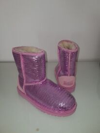 Brand new Uggs! Not available any more amazing pink sequins UK4