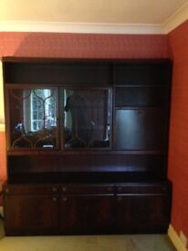 Mahogany dresser / cabinet in good condition with lights and drinks compartment