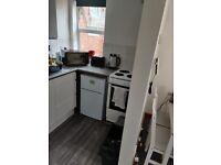 Under counter 2-door fridge/freezer