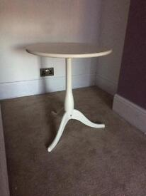 Small white lamp table