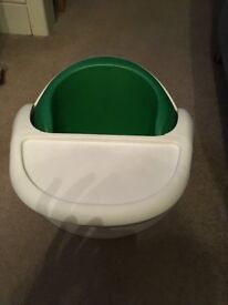 mamas and papas snug seat in green, good condition.