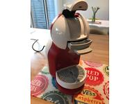 Nescafe Dolce Gusto Coffee Capsule Machine by De'Longhi VGC