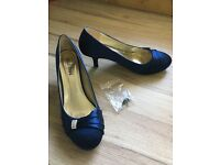 Navy satin shoes. Size 7 (40). Worn once.