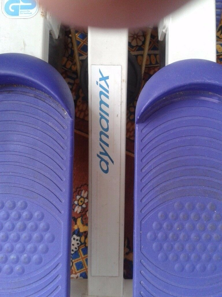 EXERCISE/ STEPPER IN BLUE TO KEEP FIT