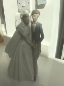 NAO by Lladro Bride & Groom Brand new never been on display