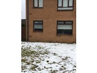 *******NOW LET*******2 Bedroom ground floor flat in private estate