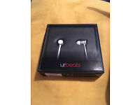 """urbeats by dre """"silver special edition"""""""