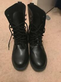Brand new boots size 39/ uk 6