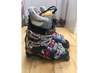 Salomon Ski boots and bag