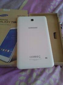 Samsung tab4 white full bundle