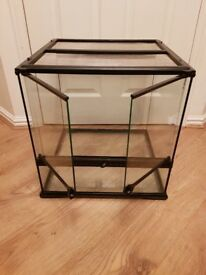 Exo Terra Glass Terrarium 45x45x45cm with accessories