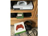 Xbox Ones S 500GB, two controllers, headset