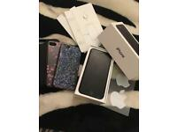 Apple iPhone 7 32GB *UNLOCKED*