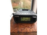 PURE RADIO/CLOCK IPHONE CHARGER