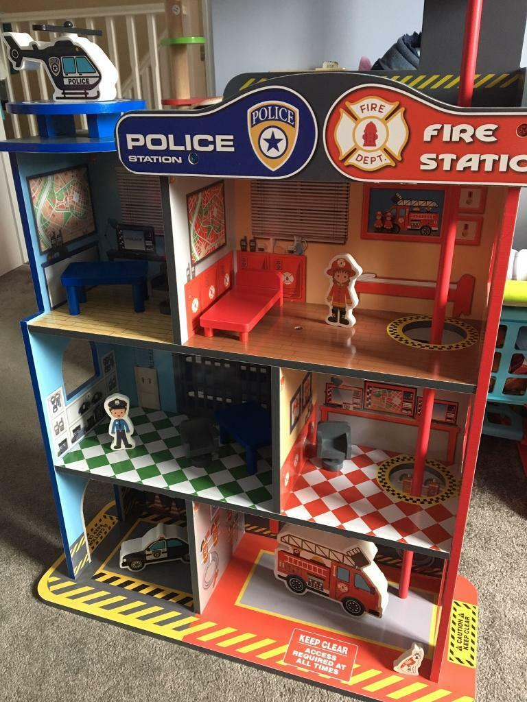 Lovely wooden Fire/Police Station as new