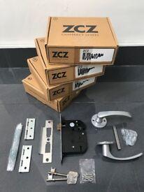 3 Lever Door Lock, Keys, Handles & Hinges incl Fixing Screws