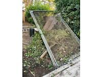 Aluminium fencing x 4 - FREE