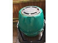 Tumbling compost bin (2 available)