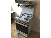 Parkinson Cowan 1900 de luxe freestanding cooker. Gas hob and oven, electric grill.