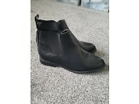 Womens WIDE FIT chelsea boots size 7