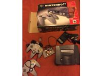 Nintendo 64 BOXED -James bond 007- 2 controllers