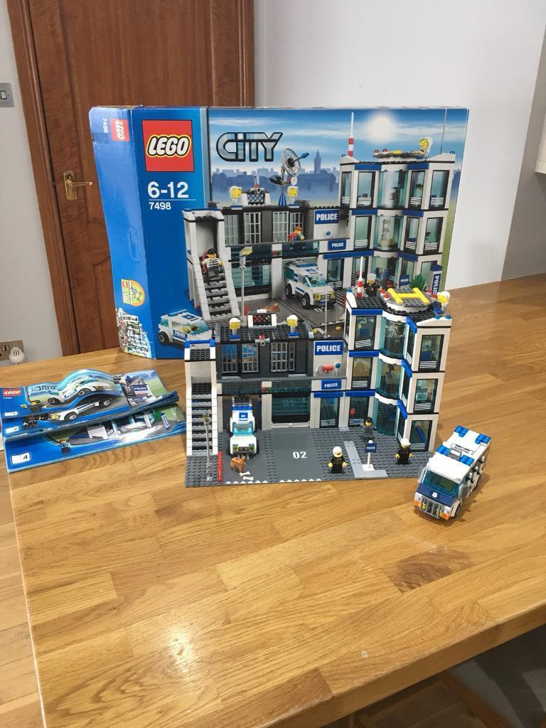 Lego City Police Station Plus 2 Vehicles And Museum Building In