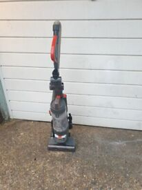 Amazonbasics Upright Vacuum Cleaner with High Efficiency Motor Bagless excellent condition
