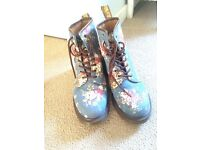 Dr Martins floral boots size 7