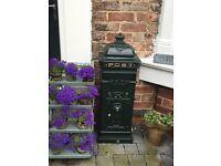 ****Free standing Victorian cast iron post box ****