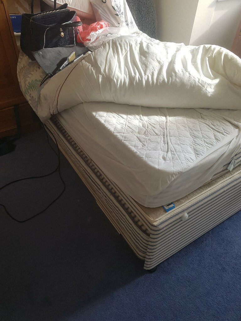 Two single beds one stores under the other good for unexpected guests