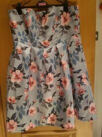 Chi Chi London - Grey 'Chelle' floral print plus size dress