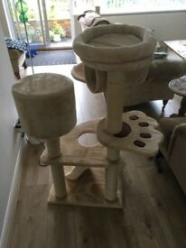 Cat Tree for larger cats, good condition, hardly used