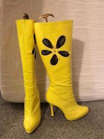 Leg Avenue fancy dress boots