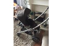 Maxi cosi Elea pushchair with lots of accessories 2 way fold
