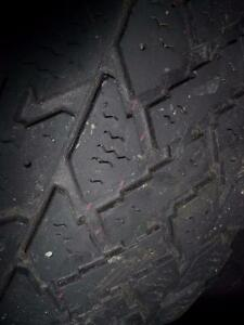 4 pneus d'hiver, 185/60/15 Pacemark Snowtrakker Radial ST/2, 60% d'usure, 5-6/32 de mesure.