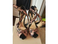 Strappy sandle size 5