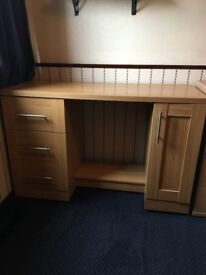 *VERY GOOD CONDITION* Personal Desk Working Station