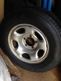 Suzuki Grand Vitara 225/70/16 wheel tyre