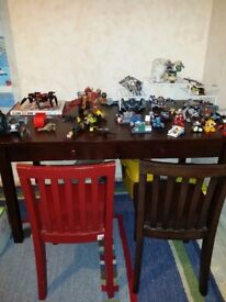 Craft table for children - Pottery Barn - no assembly required :) Not sold in the UK!
