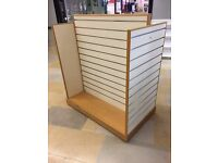 H SHAPE SLATWALL GONDOLA IN White & Maple