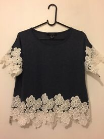 Size 8 navy / white floral lace top
