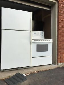 """30""""w Fridge/Stove perfect working can DELIVER"""