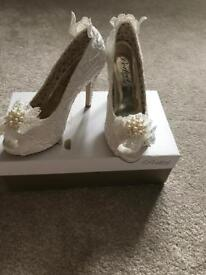 Beautiful white lace and diamanté wedding shoes-never worn