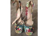 ALDO Summer Floral Platform Heels Size 6
