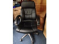 Black Office Manager Swivel Chair